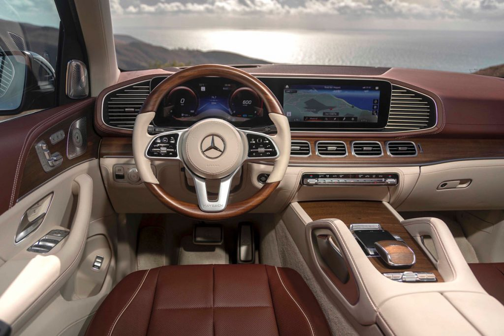 Mercedes-Maybach 600GLS Drivers seat/Dashboard