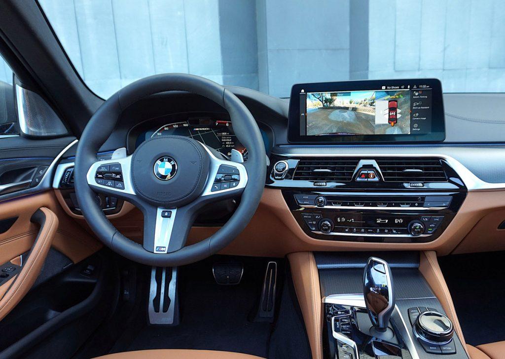 BMW 550i dashboard and steering wheel