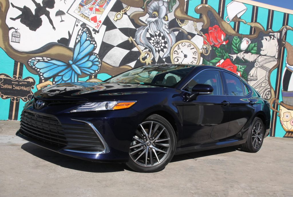 Toyota Camry XLE 3