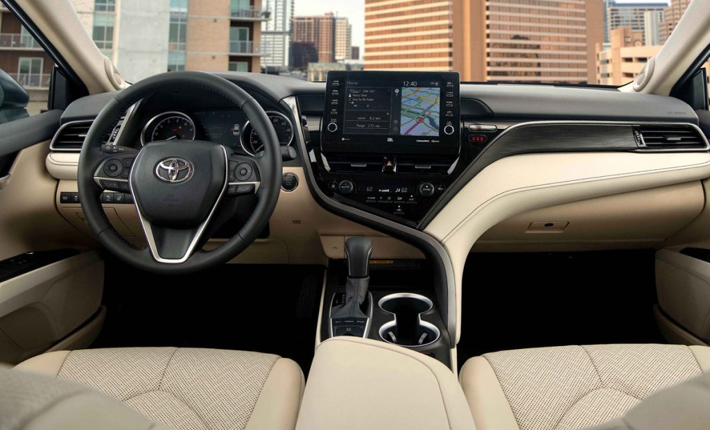 Toyota Camry XLE 8
