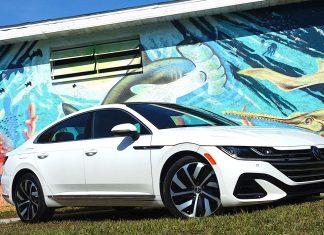 Volkswagen Arteon Flagship sports sedan front:side view