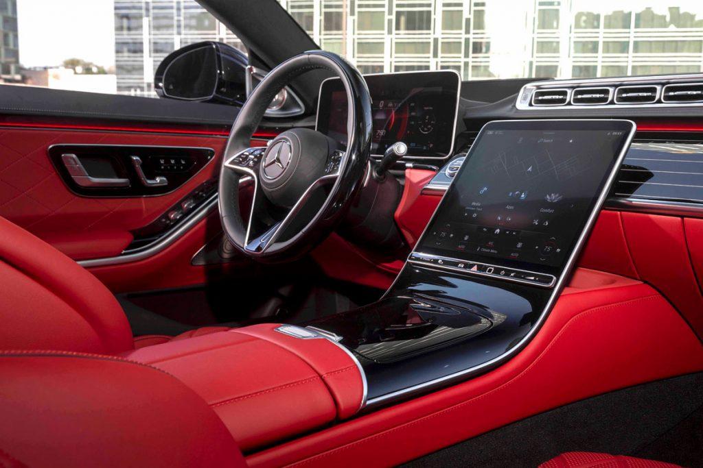 2021 Mercedes-Benz S-Class sedan dashboard panel