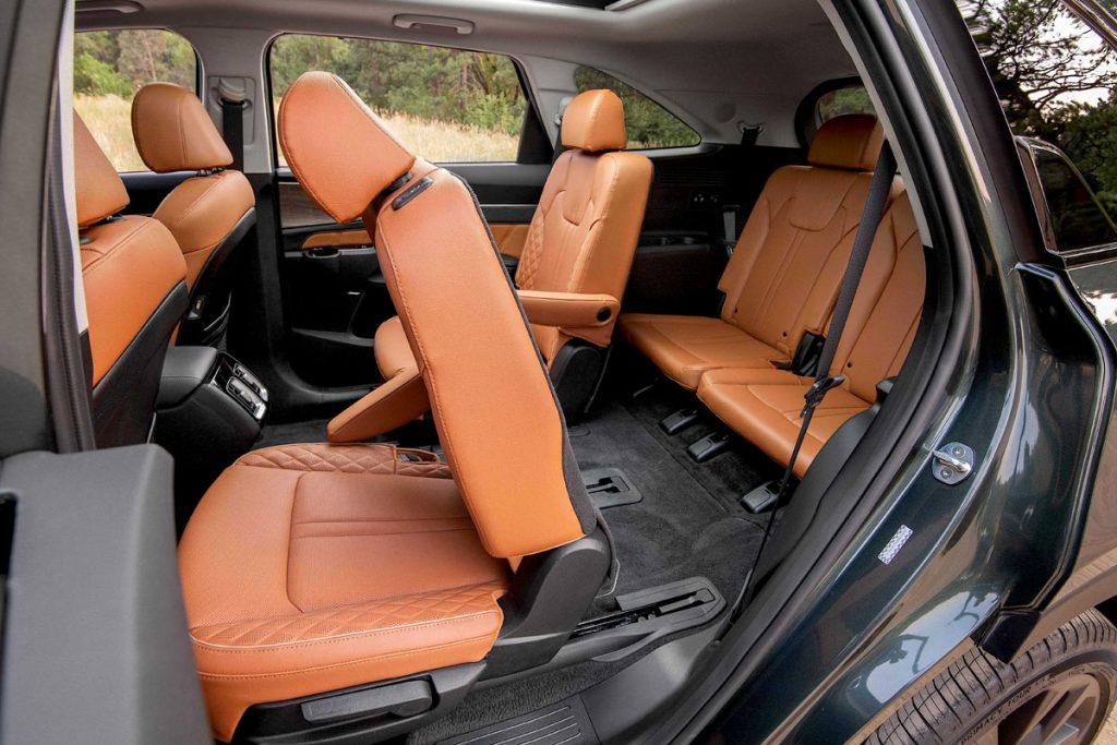 PBI/NI/FLI Wheel World/High Road Kia Sorento rear seats