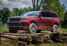 Jeep Grand Cherokee L full view, front