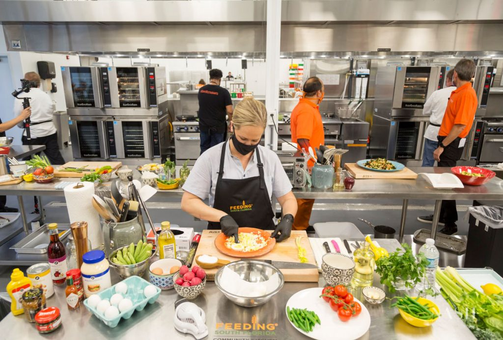 Lindsay Autry in the Feeding South Florida training kitchen. PattyNashPhotography-1310